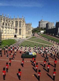 Prinz Phillip, Diana Son, Windsor Castle, King George, Queen Elizabeth Ii, Princess Diana, British Royals, Edinburgh, Funeral