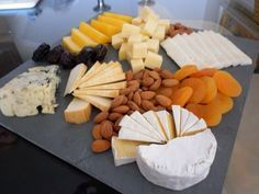 Appetizers cheese plate food 41 ideas for 2019 Gourmet Cheese, Meat And Cheese, Vegetarian Cheese, Cheese Appetizers, Best Appetizers, Appetizer Recipes, Vegetarian Appetizers, Tapas, Cheese Platters