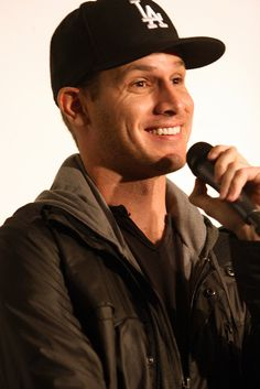 Daniel Tosh discusses the percentage of unemployment Wednesday at the Meltdown in front of a sold out show. Funny People, My People, Pretty People, Beautiful People, Daniel Tosh, Hottest Guy Ever, Comedy Show, Raining Men, Comedy Central