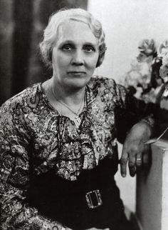 Overgrootoma Jansen (zij zou verwekt zijn door haar vader Agge Bakker tijdens een Oost-Indië vaart; hij kreeg de baby mee naar huis)