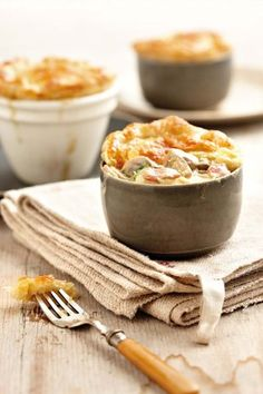 Sampioen-prei-en-spekpastei | SARIE KOS | Mushroom and bacon pies