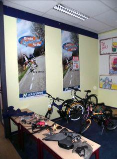 De fietsenmaker | Klas van juf Linda Transportation, Bike, Teaching, Projects, Travel, Honey, Van, Bicycle, Log Projects