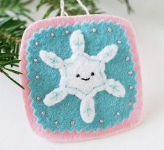 DIY Snowflakes  : DIY Make Easy Snowflake Decorations