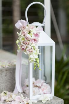 wedding lantern decor ideas #weddingdecor @weddingchicks
