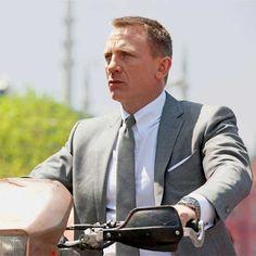 skyfall james bond suit - grey by Tom Ford - Details