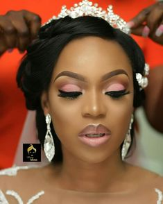 wedding makeup morenas Pin By Tamiko Smith On Weddings In 2019 Wedding Makeup Black Bridal Makeup, Makeup For Black Skin, Wedding Makeup For Brown Eyes, Bridal Makeup Looks, Bridal Hair And Makeup, Bride Makeup, Wedding Hair And Makeup, Girls Makeup, Hair Makeup