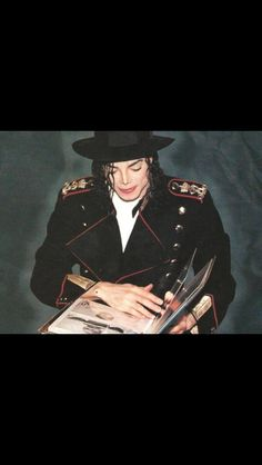 Oh my baby I love you so much it hurts! Michael Jackson, Paris Jackson, Jackson 5, Lee May, King Of Music, Archangel Michael, Lady And Gentlemen, Mj, Joseph