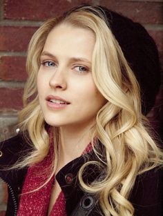 Teresa Palmer as Bella (17). She's Princess Belle from Beauty & the Beast. She tries to be independent and nice, but the Beast is a freaking jerk. She's very intelligent, but very loyal. She doesn't have that many friends until Harrow comes and makes things different.