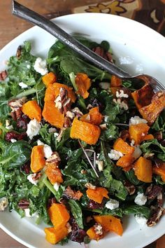An irresistable combination of massaged kale, roasted squash, cranberries and goat cheese to celebrate the fall harvest! Roasted Squash, Roasted Butternut, Butternut Squash, Salad Recipes Gluten Free, Real Food Recipes, Whole30 Recipes, Healthy Recipes, Homemade Larabars, Massaged Kale