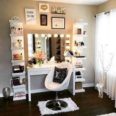 33 idee arredo per utilizzare le mensole Lack IKEA come libreria porta oggetti scarpiera dispensa appendiabiti mobile cucina camera letto bagno ufficio foto