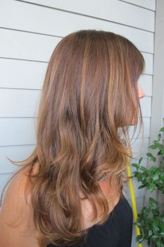 warm brunette hues throughout to give a richer base with caramel highlights.