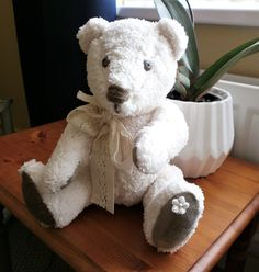 My latest 'make', a sweet little teddy bear.....who doesn't have a name yet!