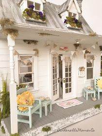 I've finished furnishing Swan Ridge for Barbara. This house is covered in dried flowers and real greenery. Dollhouse Landscaping, Dollhouse Design, Dollhouse Ideas, Cinderella Moments, Diy Doll Miniatures, Doll House Plans, Little Cottages, Fairy Houses, Doll Houses