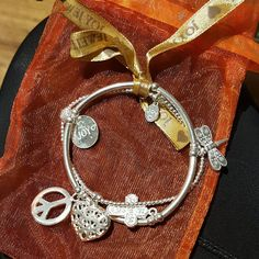 jessborosDad just got back from Bali with my birthday present  He did sooooo good! I love Joy Jewellery #birthdaypresent #joyjewellery #seminyak #bali #balibible #balidreaming joyjewelleryeu❤️❤️