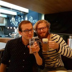 Eigenlijk was het een beetje cheaten want de Bierfabriek is na vijf jaar Rokin verkast naar het Nes. Ook op deze locatie zijn de biertjes en de kippetjes perfect. #bierfabriek #24uurRokin #bierfabriekamsterdam #CityguysNL #beer #friends #Amsterdam #Nes #drink #cheers #beerstagram