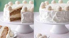 Raffaello Torte - ein Backrezept für die Springform mit Kokosmilch, Kokosraspel und natürlich Raffaello. Macht sich wunderhübsch auf der Kaffeetafel.
