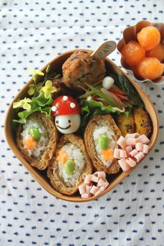 Inarizushi (Tofu Pocket Sushi) Bento Lunch © mizuking, these are just too pretty to eat