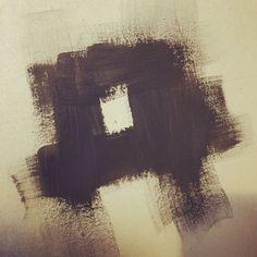 Un Tour Chez Nous - Le magazine #design #décoration #peinture #noir #mat