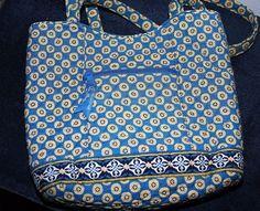 7005b5f29206 Pre-owned VERA BRADLEY BUCKET TOTE BAG PURSE Retired Pattern RIVIERA BLUE