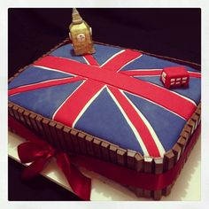 London flag cake with kit kat