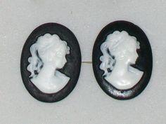 clous d'oreille avec camée noir http://dentelle-et-perles.alittlemarket.com