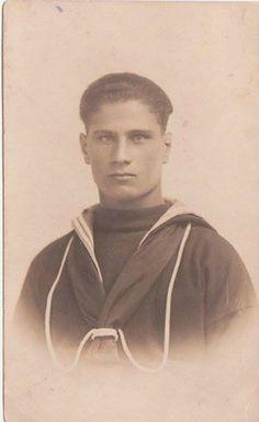 """In questa foto Domenico Lo Nigro """"mio nonno"""" marinaio imbarcato anno 1927 foto di Giuseppe Di Paola"""