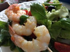 Summer salad with scampis Low Carb Menu, Summer Salads, Meat, Beautiful, Food, Salads, Friends, Cooking, Eten