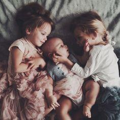 20 fotos que demuestran la alegría de tener hermanos y herma