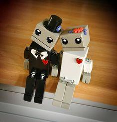 Mariée et le marié OddBots - petit Robot en bois par Tiggymus & Co.
