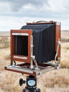 Deardorff 8x10 Camera   eBay Old Cameras, Vintage Cameras, Photography Camera, Vintage Photography, Movie Projector, Remote Sensing, Photo Vintage, Camera Obscura, Photography Equipment
