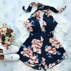 Collection to help inspire outfit ideas! This could be used for back to school looks, or help you create your own style. Teen Fashion Outfits, Mode Outfits, Outfits For Teens, Chic Outfits, Dress Outfits, Girl Outfits, Navy Blue Floral Dress, Floral Romper, Cute Summer Outfits