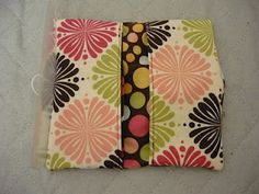 Small Fry & Co. : Make your own checkbook cover going to do Craft Tutorials, Sewing Tutorials, Sewing Projects, Sewing Patterns, Sewing Ideas, Fabric Crafts, Diy Crafts, Learn To Sew, How To Make