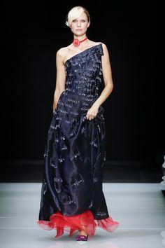 Giorgio Armani Spring 2016 Ready-to-Wear Fashion Show