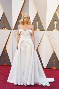Lady Gaga - Brandon Maxwell trabajó como asistente de estilista de Nicola Formichetti, hoy la actriz viste nuevamente sus diseños