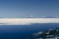 McMurdo Bay in #Antarctica... #AmazingPlaces