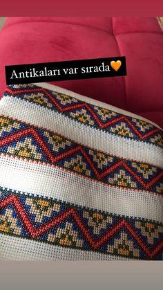 Cross Stitch Borders, Cross Stitch Designs, Hand Embroidery Design Patterns, Friendship Bracelets, Pattern Design, Crochet, Art, Punto De Cruz, Dots