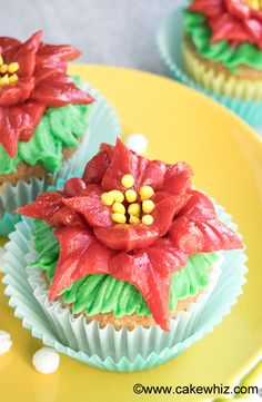 Use this video tutorial to learn how to make EASY POINSETTIA CUPCAKES with buttercream icing. You would be surprised by how simple it to make these cupcakes for Christmas! From cakewhiz.com