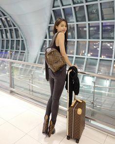 Beauty Zone, Holy Chic, Miu Miu Shoes, Asian Celebrities, Pretty Asian, Biker Girl, Tumblr Girls, Asian Style, Kyoto