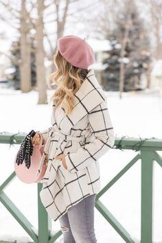 Pink Beret + Plaid Wrap Coat // Suburban Faux Pas Paris Outfits, Outfits With Hats, Winter Fashion Outfits, Fall Winter Outfits, Chic Outfits, Autumn Winter Fashion, Winter Hats, Beret Outfit, Moda Paris