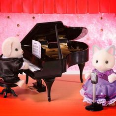It's #PianoDay  A worthy day  #SmythsToys  #smyths #smythstoys #smythstoyssuperstores #toystagram #heyletsplay #ifiwereatoy #oscar #love #uk #ireland #toys #fun #instagood #oscar #sylvanianfamilies #sylvanian #grandpiano #piano #music #clasical #musical #pretty