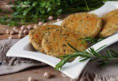 Hamburger di ceci cotti al forno; appetitosi e facilissimi da realizzare. Ottimi per i vegetariani, possono essere adattati anche alla dieta vegana. Raw Food Recipes, Veggie Recipes, Healthy Recipes, Vegetarian Day, Vegetarian Recipes, Just Cooking, Raw Vegan, Finger Foods, Clean Eating