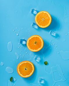 With a little research and some practice, you can find and use complementary colors for better photos. Check our stunning complementary colors examples to start! Fruit Photography, Still Life Photography, Complementary Colors Examples, Orange Tapete, Orange Wallpaper, Bulletins, Orange Aesthetic, Color Harmony, Best Fruits