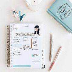 Já imaginou conseguir organizar tudo o que você precisa em um só lugar? A Jess Vieira do blog O Mundo de Jess apostou na tendência do Pinterest o Bullet Journal para colocar suas tarefas e programações em dia