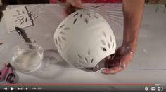 In questo video tutorial in lingua spagnola, ma tranquilli si intuisce tutto, ci fanno vedere come realizzare dei bellissimi lumi di carta di giornale.  Il riciclo creativo è perfetto per le esigenze del giardino: molti oggetti che non usiamo ... Read More