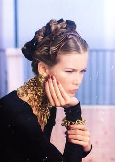 Claudia Schiffer, CHANEL boutique p/e 1993
