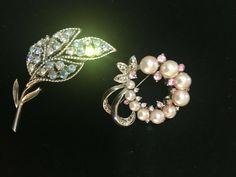 Vintage Coro Blue Rhinestone Leaf Botanical Brooch Pin + Pink & Sim Pearl Brooch #Corounbranded Pearl Brooch, Brooch Pin, My Ebay, Sim, Brooches, Retro Vintage, Vintage Jewelry, Mens Fashion, Pearls