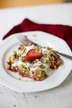 Healthy Strawberry Rhubarb Crisp Recipe