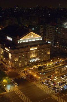 Teatro Colón de noche   Buenos Aires  Argentina