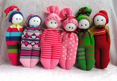 love these sock dolls! what a great idea for charity!