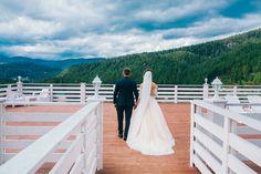 Γιατί🤔 δεν πρέπει να αναβάλλετε 💬τη συζήτηση για τα 💰οικονομικά; #weddingpaths #wp #weddingparty #moneysaving Wedding Tips, Couples, Wedding Dresses, Advice, Marriage Tips, Bride Dresses, Bridal Gowns, Wedding Dressses, Couple